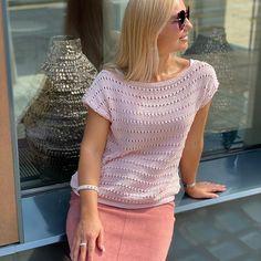 Simple Crochet, Easy Crochet Patterns, Crochet Top, Tops, Women, Fashion, Moda, Fashion Styles, Fashion Illustrations