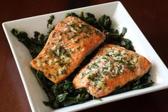Simple Baked Salmon with Lemon, Garlic, and Parsley: Salmon With Garlic and Herbs