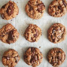 Un blog che parla a chi ama, come me, il cibo, le ricette deliziose e mai banali, il Decor, le tavole imbandite e il calore della famiglia e amici.