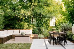 Staying in is the new going out, and outdoor design has never been better. This year's trends push outdoor spaces to work harder to create the experiences you crave in a stylish, thoughtfully designed atmosphere. Landscape Lighting, Outdoor Lighting, Backyard Patio, Backyard Landscaping, Backyard Designs, Outdoor Rooms, Outdoor Decor, Outdoor Kitchens, Modern Patio