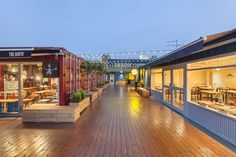 Urbantainer designed Common Ground in Seoul, the world's largest shopping mall constructed with shipping containers. Container Architecture, Container Buildings, Architecture Design, Container Home Designs, Container Shop, Shipping Container Cafe, Shipping Containers, Strip Mall, Mall Design