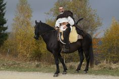 Romanian men and women remember and celebrate their ancestors – the Getae-Dacians