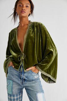Velvet Suit, Velvet Jacket, Velvet Tops, Velvet Bed, Velvet Style, Velvet Fashion, Free People Jacket, Fashion Outfits, Ladies Fashion