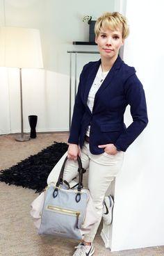Outfit der Woche! Jerseyblazer, Stretchhose & Print-Shirt: Marc O'Polo – Tricolor-Tasche: Liebeskind – Gürtel: Vanzetti #fashion #ootw