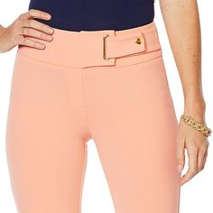 Nina Leonard High Tech Crepe Narrow Leg Pant Ease and chicness can be one. This pant performs throughout the week but makes a great weekend pick too. Mens Fashion Suits, Black Women Fashion, Cute Workout Leggings, Farm Fashion, Scrubs Outfit, Nina Leonard, Sleeves Designs For Dresses, Belted Shorts, Boho Outfits