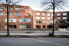 Alfons Smet residenties   AIDarchitecten Public Architecture, Brick And Stone, Multi Story Building, Facades, Bricks, Belgium, Apartments, Inspiration, Grid