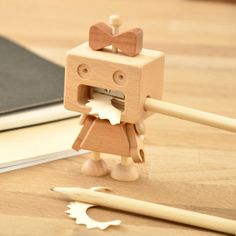 Roboni pencil Sharpener Roboni pencil sharpener wearing a skirt and a hair bow let its elegant and cute figure be by your side. The post Roboni pencil Sharpener appeared first on Wood Ideas. Woodworking Videos, Woodworking Furniture, Fine Woodworking, Woodworking Projects, Wood Furniture, Youtube Woodworking, Woodworking Patterns, Woodworking Classes, Woodworking For Mere Mortals