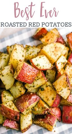 Roasted red potatoes are a delicious side dish that pairs perfectly with just about everything. This oven roasted potatoes recipe is easy to make, too! via @tastesoflizzyt Red Potato Recipes, Roasted Potato Recipes, Potato Meals, Scalloped Potato Recipes, Vegetable Recipes, Vegetarian Recipes, Cooking Recipes, Healthy Recipes, Recipes With Vegetables