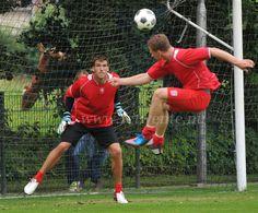 FC Twente Portuguese goalkeeper Daniel Fernandes in action.