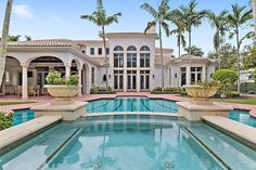 Looking for your dream home? It doesn't get much better than this gem!  . See more of Lynda Smith's amazing cover property in the recent edition of Haven Palm Beach!  Link in bio!⠀  #haven #havenpalmbeach #realestate #realtor #realty #luxuryrealestate #luxuryrealty #luxuryhomes #luxuryhome #luxurylifestyles #luxurylifestyle #luxurylife #luxuryeverything #landscape #palmtrees #dreamhome #architecture #family #home #homesweethome #instaluxury #housegram #paradise #dreamhome…