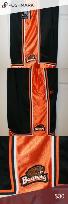 Oregon State Beavers Shorts XL....NWT Oregon State Beavers Shorts XL....NWT....side pockets....drawstring waist....smoke/pet free....shipping within 1 business day....please ask any questions. Colosseum Shorts Athletic