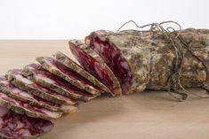 Il Salame di Varzi DOP è un prodotto tipico lombardo, un insaccato magro originario dell'Oltrepò Pavese. Ecco la sua storia e come valorizzarlo in cucina.