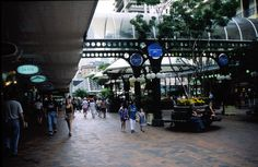 Queen Street mall, the main commercial street in Brisbane, Australia ... seen it!