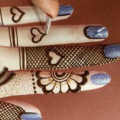 Circle Mehndi Designs, Modern Henna Designs, Mehndi Designs For Kids, Henna Tattoo Designs Simple, Mehndi Designs Feet, Mehndi Designs Book, Mehndi Designs 2018, Mehndi Designs For Beginners, Mehndi Design Photos