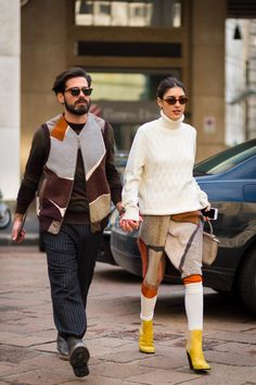Patricia Manfield and Giotto Calendoli before Salvatore Ferragamo fashion show… Street Style 2016, Street Chic, Street Fashion, Milan Fashion, New Yorker Mode, Streetwear, Stylish Couple, Fashion Couple, Couple Outfits