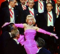 Gentlemen prefer blondes. Marilyn Monroe