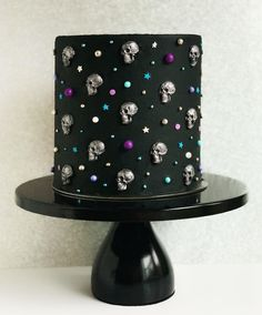 "MERRI on Instagram: ""🚀☠️💀Skulls in Space☠️💀🚀 ☠️💀Cosmic Skull Cake by @cakes.in.bloom😍☠️💀 . . ☠️🎃October marks the start to the Spooky Season 💀👻 I'm beyond…"" Black Cake Stand, Buckwheat Cake, Modern Cakes, Plum Cake, Wedding Cake Stands, Salty Cake, Halloween Cakes, Halloween Party, Halloween Baking"