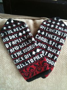 Ravelry: Motheroftwins' Poetry Mitts