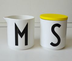 m - ilk jug + s-ugar bowl with yellow wooden cover Design Letters