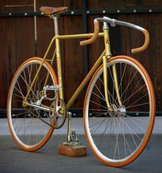 Nagasawa Fixed Gear #bike - and oh so gold-y!