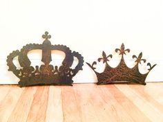 Large Rustic rusted queen and king metal crown cut outs rust patina on Etsy, $40.00