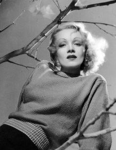 Marlene Dietrich by George Hurrell ,1939.