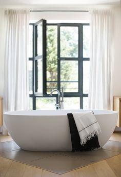 Location vacances villa Valbonne: master bath