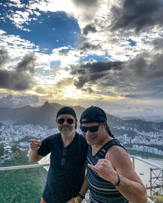 metallica Made a pit-stop in Rio! Much ❤️ to our Brazilian friends from the top of Pão de Açúcar (Sugarloaf)...  #metallica #worldwired #sightseeing #sugarloaf #brazil