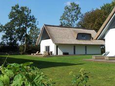 Modernes Reetdach Ferienhaus #Ferienhaus #Fehmarn #Ostsee #Modern #Reetdach
