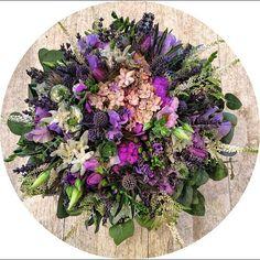 Букет для отличного настроения и прекрасного дня.... #цветы#букеты#праздник#подарок#деньрождения#поздравление#букетвподарок#оформлениецветами#студияцветов#дизайнбукетов#флористика