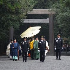 内宮にて奉幣の儀 Ise Jingu, Naiku. Ise Grand Shrine, Inner Shrine. click FB link below for gallery  (もっと写真をご覧になりたい方は、以下のリンクからどうぞ。)https://www.facebook.com/1606114099639323/photos/pcb.1629496867301046/1629496253967774/?type=3&theater