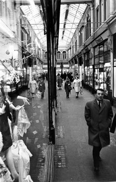 Morgan Arcade 1970 - Cardiff arcades: 33 wonderfully nostalgic pictures that show the changing faces of Cardiff's historic arcades - Wales Online