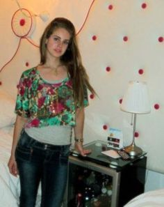 Lana Del Rey #LDR #Lizzy_Grant...she looks like she was still a teenager here