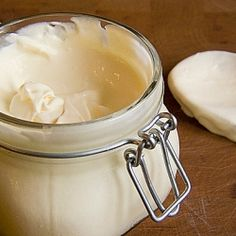 Homemade Creme Fraiche (in German)                                                                                                                                                                                 Mehr (How To Make Cream Cheese)