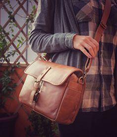 Leather camera bag for mirrorless o dslr  Leather di PiBuShop