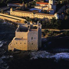 """Ile de Lérins French Riviera Provence  Abbaye de Saint Honorat winery """"Osez les vins des îles"""" www.femivin.com"""