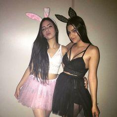 Melhores amigas 💖🐰 - —🍒 𝐌𝐚𝐲 - #fantasiasdecarnaval - Melhores amigas 💖🐰 - —🍒 𝐌𝐚𝐲 Bunny Halloween Costume, Playboy Bunny Costume, Cute Group Halloween Costumes, Trendy Halloween, Halloween Outfits, Halloween Ideas, Halloween Disfraces, Photos, Tumblr
