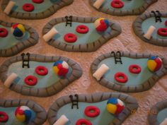 could do for cookie also? Pool Cupcakes, Pool Party Cakes, Iced Cookies, Cute Cookies, Simpson Cake, Royal Icing Transfers, Zombie Party, Summer Cookies, Swimming Pools