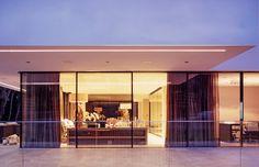 Projekt: Villa am Genfer See. Rahmenlose Schiebefenster, System 150, Burckhardt´s SOREG-glide