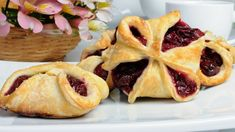 Bun puff pastry stuffed with cherries Snack Recipes, Snacks, Waffles, French Toast, Cherry, Chips, Pie, Sweets, Breakfast