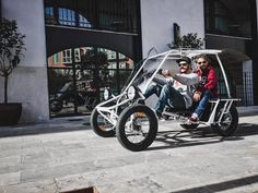 DUO MOKE Project: A new breed of electric multi-person electric cargo - Urban Drivestyle GmbH Electric Cargo Bike, Electric Cars, Solar Powered Cars, Diy Go Kart, Motorised Bike, Bike News, Pedal Cars, Bicycle Design, Motorcycle Logo
