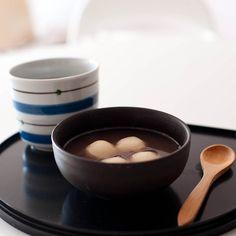 Japanese Mochi with Red Bean Soup (azuki paste, Glutinous Rice Flour)