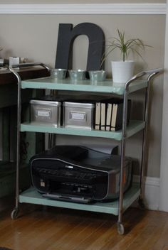 How to Clear Off Your Home Office Desk...and Keep it that Way
