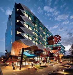 latrobe-university-lyons-architects