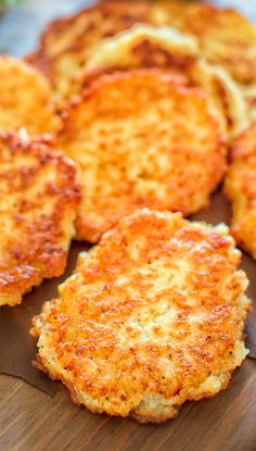 Potato cakes are an ideal method to use up left-over mashed potatoes. The recipe is ideal for two, so provide these Vegan Potato Pancakes a try with your honey and after that I want to know what you believe! Gourmet Recipes, Cooking Recipes, Ark Recipes, Flour Recipes, Turkey Recipes, Beef Recipes, Chicken Recipes, Pancakes Easy, Breakfast Pancakes