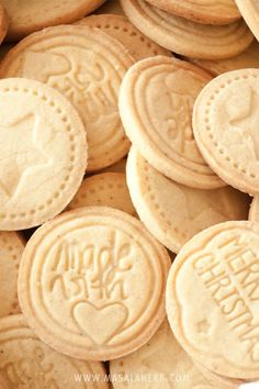 Albertle are typical South German Bavarian cookies. These stamped cookies are quick, easy and fun to make at home. Get the step by step recipe!
