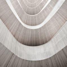 Creative Architecture, Texture, Color, Russian, and Carpet image ideas & inspiration on Designspiration Santiago Calatrava, Landscape Architecture Drawing, Space Architecture, Amazing Architecture, Installation Architecture, Architecture Wallpaper, Building Architecture, Contemporary Architecture, Art Design