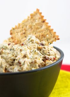 Basil Sun-Dried Tomato Dip Recipe — Pip and Ebby - easy, delicious recipes! Finger Food Appetizers, Appetizer Dips, Yummy Appetizers, Finger Foods, Appetizer Recipes, Dinner Recipes, Dip Recipes, Cooking Recipes, Sauce Recipes