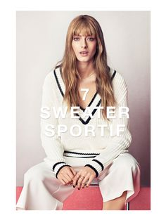 A v-neck top, flared trousers and simple jewellery give the right sporty feel. www.ginatricot.com