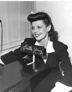 Loretta Young Having Her Picture Taken And Being Fingrprinted (for Her Id Card) So She Could Volunteder At The Hollywood Canteen